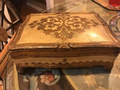 Italian Florentine Toleware Gilt Gilded Jewelry Footed Box Vintage key hole