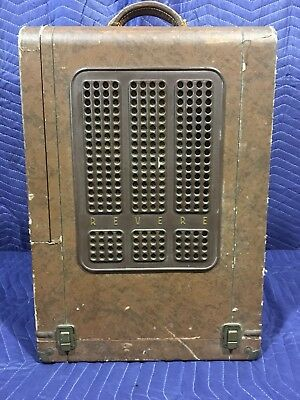 Vintage Revere S-16 Sound 16mm Movie Projector W/ Carry Case