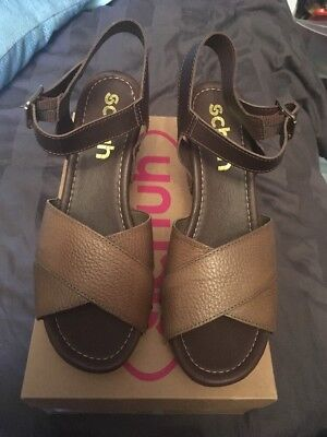 f9b494e03632 Schuh khaki soft Leather Heeled Sandals Size 7 boxed summer block wedge