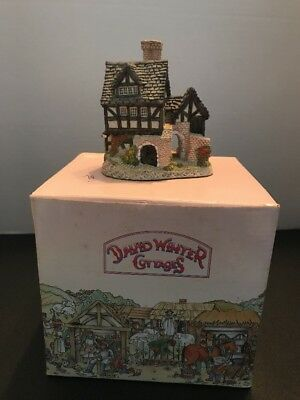 THE BAKEHOUSE David Winter Cottages John Hine Hand Painted Figurine Vintage 1983
