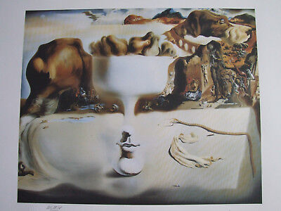 Salvador Dali, Original Lithographie, Apparation of Face and Fruit dish on Beach