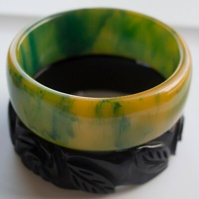 Vintage Erscotch Green Marbled Bakelite Bracelet Carved Black