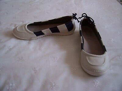 Clarks Active Air Navy And White Deck Shoes Size 8D