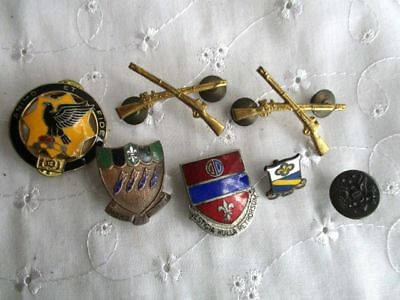 Military Pins badges WWII ?  1 rare Army piece, Cavalry, Bombardment, Rifles