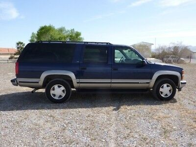 1998 Chevrolet Suburban  1998 CHEVROLET SUBURBAN 1500 4WD VERY VERY NICE UNIT CALIFORNIA FROM NEW XINT
