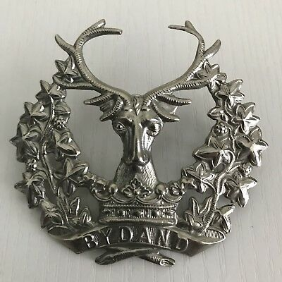 SP570 British Army Scottish Highlanders Ceremonial White Badge