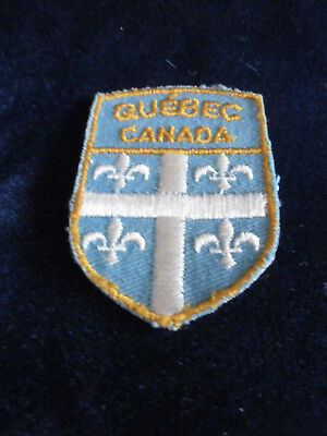 Colorful Vintage Embroidered Cloth Souvenir Patch: Quebec Great Condition