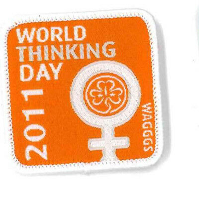 """Girl Guide Scout Brownie BADGE PATCH CREST ~ WAGGGS Thinking Day - 1.5"""""""