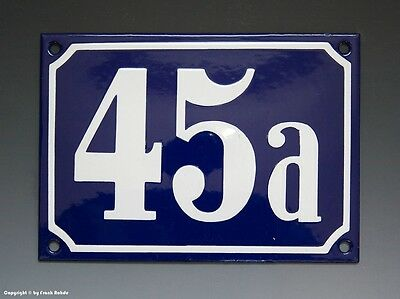 EMAILLE, EMAIL-HAUSNUMMER 45a in BLAU/WEISS um 1955