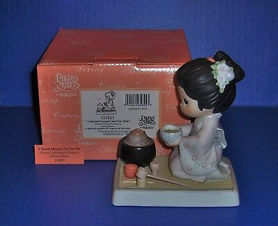 Precious Moments A Special Moment Just For You Japanese Exclusive NIB 115923