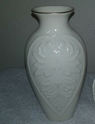 Lenox Vase Cream Ivory With Gold Trim 7 Never Used 499 Picclick