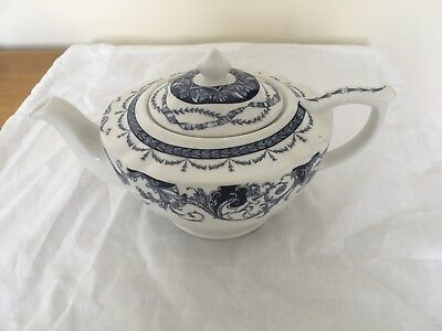Vintage Blue & White Queen's China - The Royal Palaces - Collectors Teapot