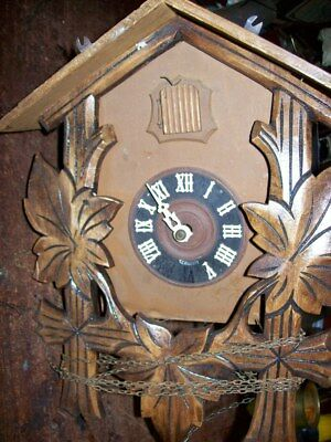1 Old Cuckoo Clock For Parts Or Resto