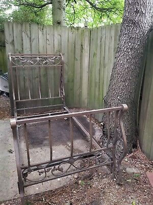 VINTAGE HOLLOW IRON DAY / TWIN bed heavy