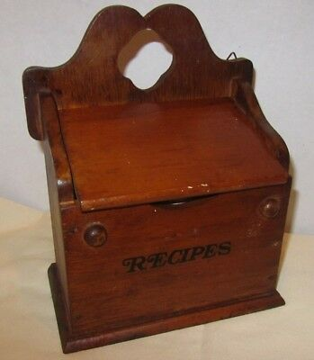 VINTAGE WOOD RECIPE BOX FULL WITH RECIPES Handwritten, newspaper, printed