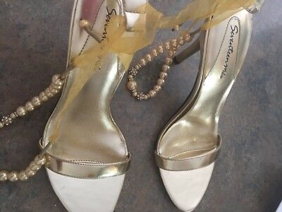 Gold with Pearls rhinestones Sandal New stunning bridal size 8 Seventeen Miles
