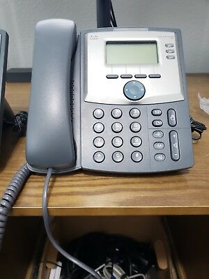 Cisco SPA303 - 3 Line IP Phone with DISPLAY AND PC PORT Base & Power Adapter