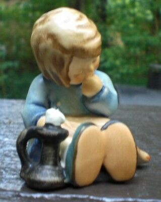 "Goebel Hummel Figurine ""Nickerchin"" A Nap TMK-7 Mold 594 First Issue 1991"