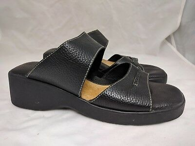 Minnetonka Black Leather Sandals Women's Size US 10 Open Toe Slip On Shoes