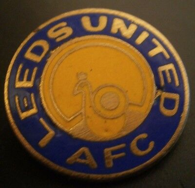Leeds United Afc Round Club Crest Football Brooch Pin Badge Maker Coffer Gilt