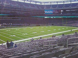 2 Tickets NY Giants VS Titans 12/16/18  w/ parking pass Sec 144 R 32 Seats 8 & 9