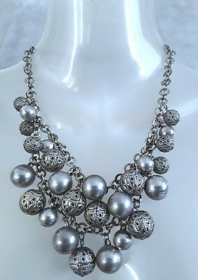 Vintage chunky silver tone metal beaded statement necklace. 80g.