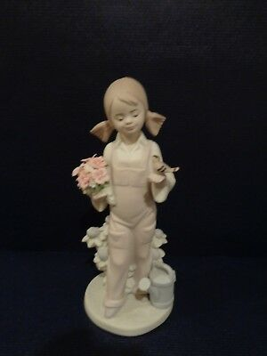 """Retired Lladro Figurine """"Spring"""" Girl With Bird & Flowers #5217 Mint Condition"""
