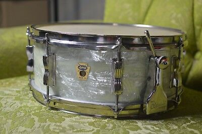 Ludwig Super Classic WMP snare drum-Vintage 1960's snare drum 1960 Ludwig
