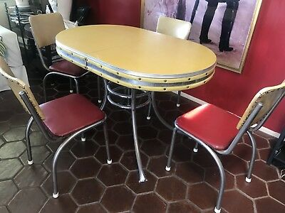 Vintage Mid Century Modern 5 Piece Soda Fountain Or Diner Table And Chair Set