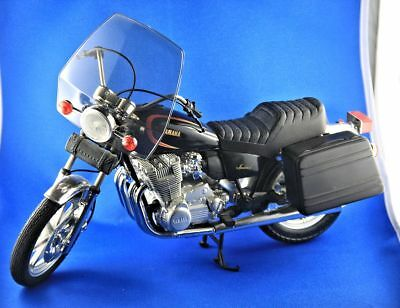 GUILOY No. 16245 - Yamaha XS 1100 Special - Metal Modell im Maßstab 1:6     TOP