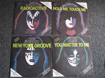 KISS-Gene Simmons-Paul Stanley-Ace Frehley-Peter Criss-Solo 7 PS-1978 UK-Masks