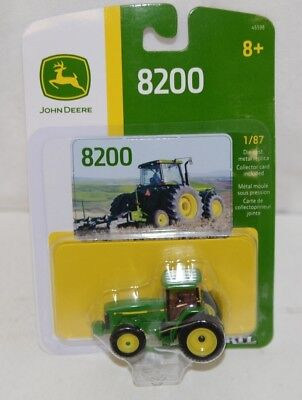 John Deere LP67334 Die Cast Metal Replica 8200 Tractor Dual Rear Wheels