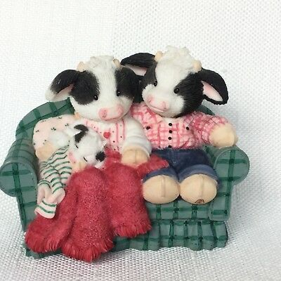 "Enesco Mary's Moo Moos ""Time for a Christmoos Cuddle"" . HAVE MORE MOO MOOS!!!"