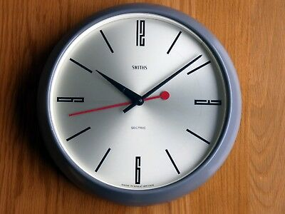 Smiths. SECTRIC. Wall clock, Gray Bakelite. Mid 1900's Vintage. Working order.