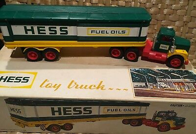 Great 1970 Hess Toy Tractor-Trailer  Truck in Original Box Great Shape