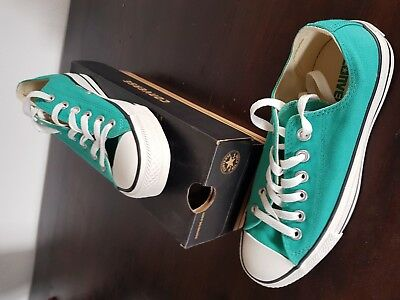 Converse All Star Chuck Taylor Size 7 womens 5 mens