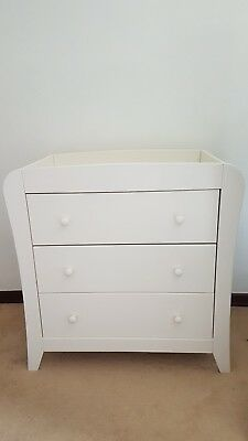 Mamas and Papas White Baby Changing Dresser. 3 drawers.