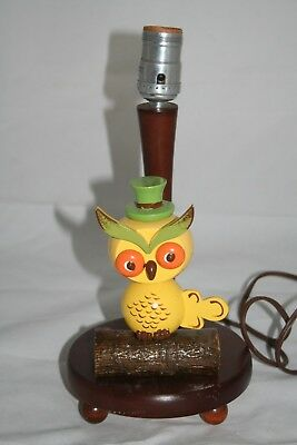 VTG Nursery Plastics Lamp Yellow Owl in Green Top Hat EUC no shade