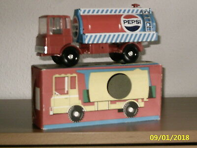 "altes DDR Model ""LKW PEPSI 1:25 "" mit Original Karton,TOP Zustand"