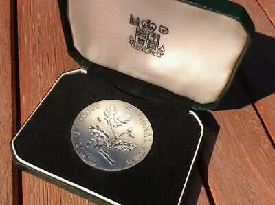 SOLID STERLING SILVER NATIONAL TRUST COIN BULLION ROYAL MINT LONDON OVER 25g