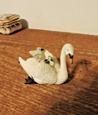 Schleich Swan With Babies On Back Retired Figurine