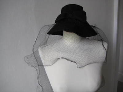 Vintage 1950s Marshall & Snelgrove of London W 1 black wool cloth hat with veil
