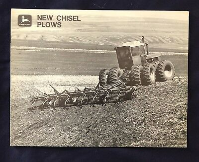 1971 JOHN DEERE ** NEW CHISEL PLOWS ** 12 Page Brochure