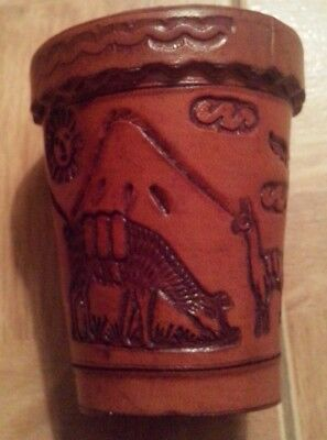Leather Dice Cup with Lid and 5 dice from Peru