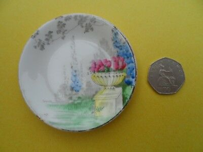 "A very rare Shelley for Lawley's ""Garden Urn"" miniature plate. C.1940."