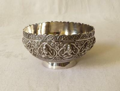 GOOD QUALITY ANTIQUE 19TH CENTURY INDIAN DOUBLE SKINNED SILVER BOWL DEITIES 170g