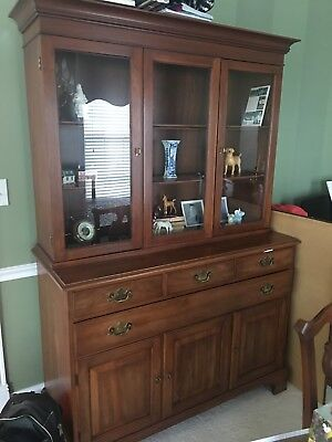 Henkel Harris 3 Door China Cabinet With Beauty Glass Top Local Pick Up Columbus