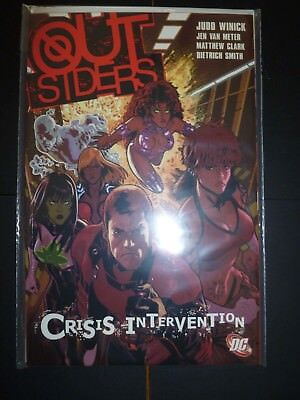 Outsiders Vol 4 Crisis Intervention DC