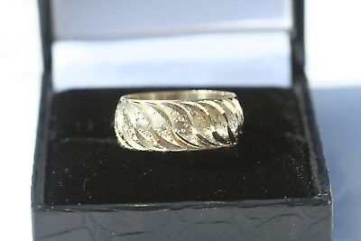 Beautiful Vintage Sterling Silver Gold Overlay Embossed Band Ring Hallmarked 70s