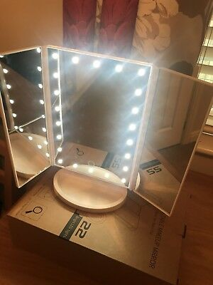 Tri-Fold 21 LED Lighted Mirror Touch Screen Makeup Cosmetic Vanity Tabletop 2